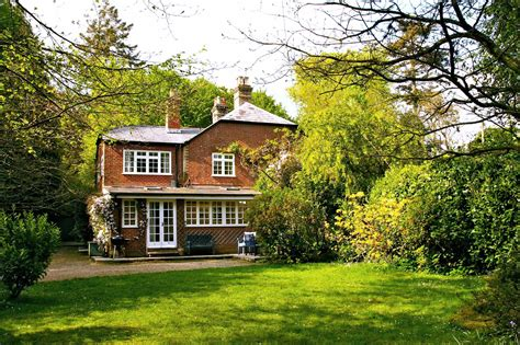Self Catering Cottages In The New Forest by Hurstly Cottage New Forest Luxury Cottage Sleeps 8 For