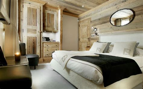 And Black Themed Bedrooms by Luxury Bedroom Design With White And Black Theme Modern