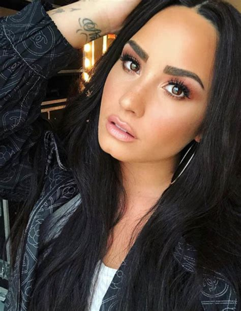 demi lovato sober lirik demi lovato gets new tattoo