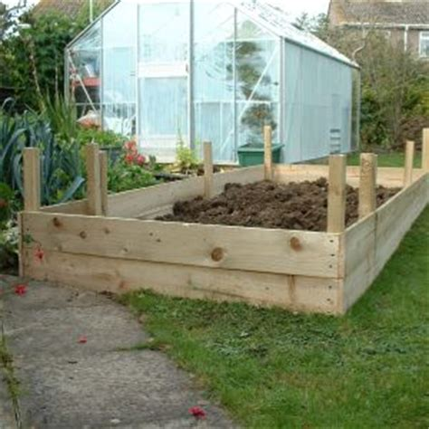 raised garden beds   build    vegetables