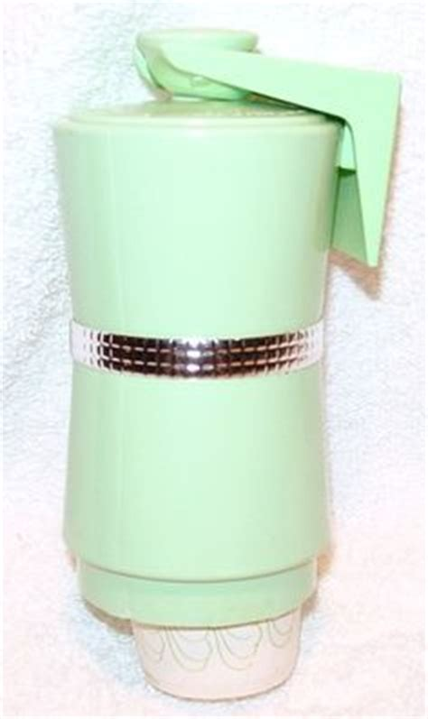 dixie cup wall dispenser bathroom 1000 images about retro bathroom on pinterest retro