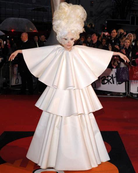 imagenes de vestidos de novia raros los 30 vestidos m 225 s raros que ha usado lady gaga