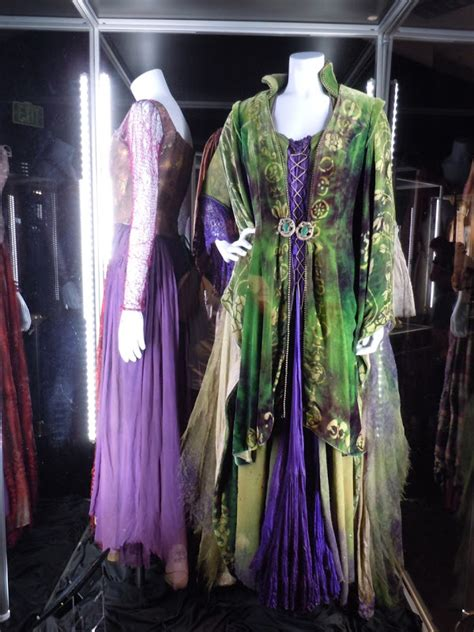 bette midler in hocus pocus costume costumes and props hocus pocus