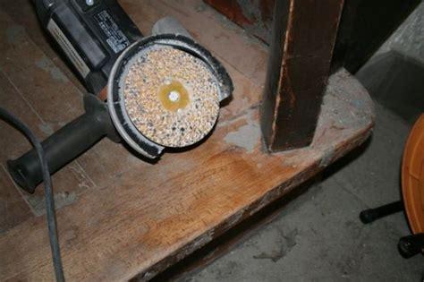 teppich entfernen werkzeug saniermeister teppichboden holz