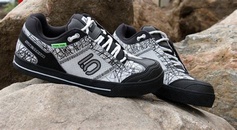 best five ten mountain bike shoes top 9 best mountain bike shoes for flat clipless pedals