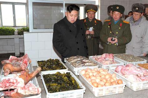 Jong Food jong un forces starving koreans to gourmet