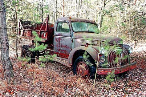 Car Dump Yards by 1941 Chevrolet Dump Truck Abandoned Junk Yard Usa 02
