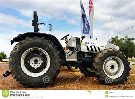 first lamborghini tractor first lamborghini tractor www imgkid com the image kid