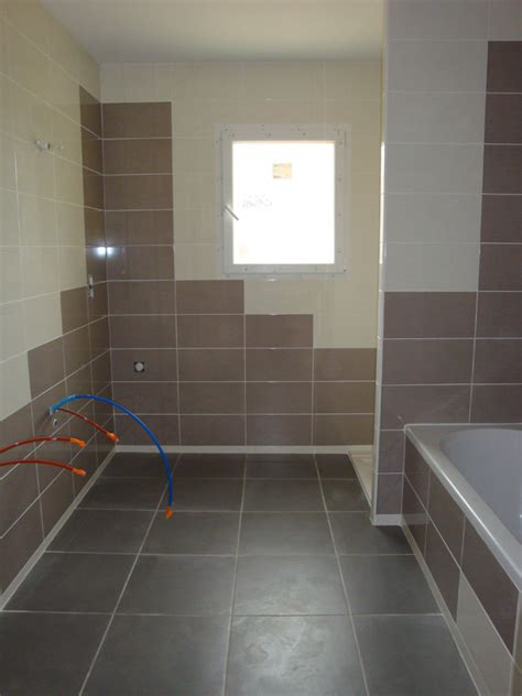 pose carrelage salle de bain baignoire pose carrelage entreprise de r 233 novation pr 232 s de tarbes