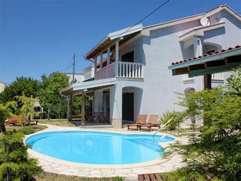 appartamenti con piscina appartamento con piscina sull isola rab croazia