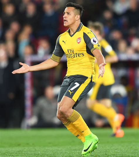 chelsea alexis sanchez eden hazard chelsea star better than arsenal s alexis