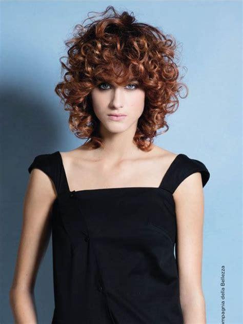 foto de corte de pelo de mujer fotos de cortes de pelo rizado mujer cortes de pelo con