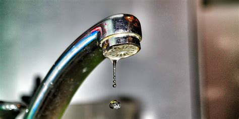 kitchen faucet dripping water how to fix a leaky faucet in 5 easy steps how to fix