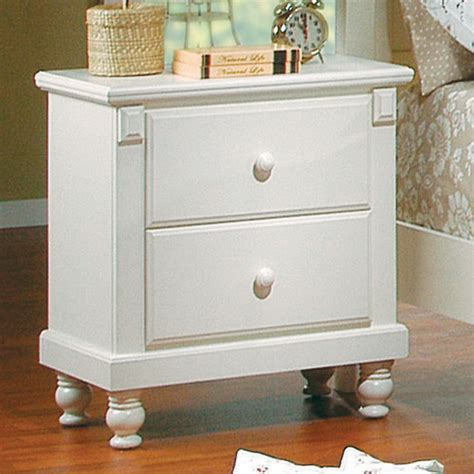 distressed white bedroom furniture pottery distressed white new england style bedroom