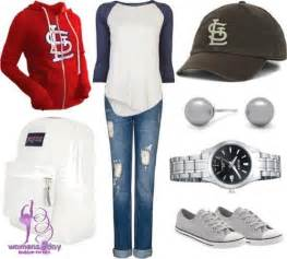10 snazzy women ideas for a baseball game