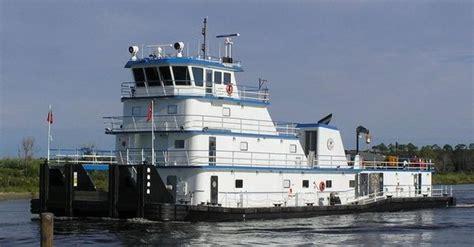 tow boat jobs in mobile al bayou la batre shipbuilder delivers towboat to florida