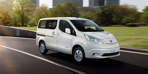 the 2018 nissan e nv200 will get a 40 kwh battery push evs