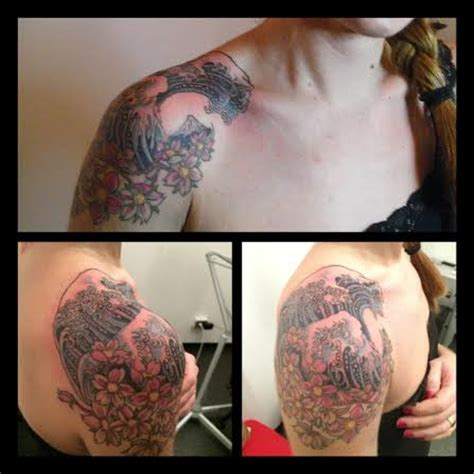 tatuaggi sopra il sedere onda hokusai 2 by sopra le righe
