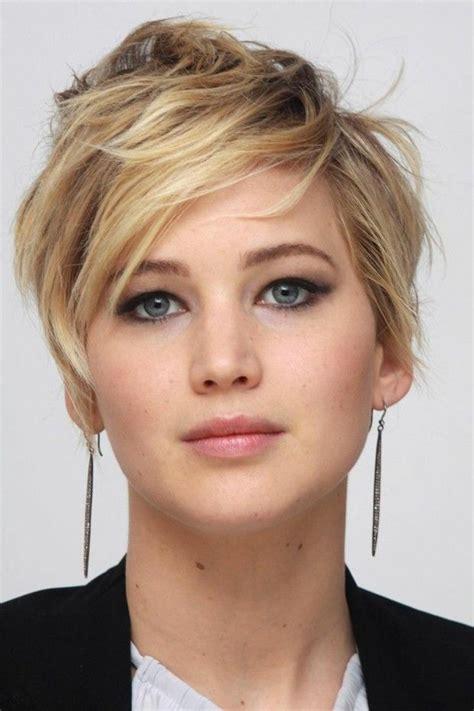 kurze haare blonde straehnen braun rundes gesicht hairs