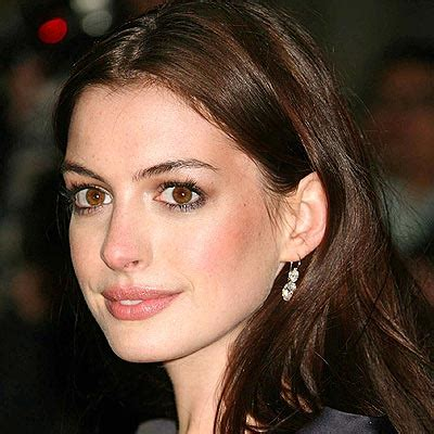 hollywood actress with beautiful nose anne hathaway passe 224 la production zoom cinema fr
