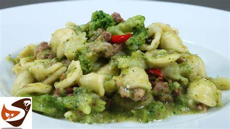 cucina veloce e gustosa pasta con broccoli e salsiccia facile veloce e gustosa