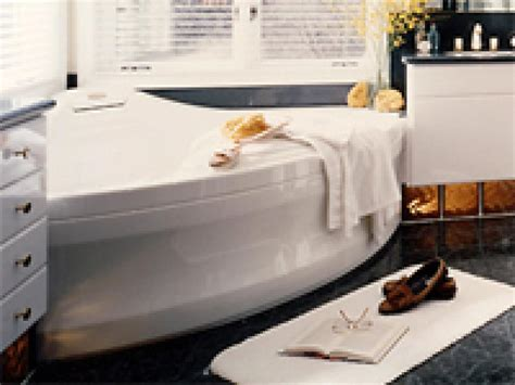 bathtub model choosing the right whirlpool bathtub hgtv