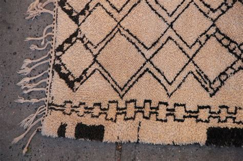beni ourain rugs vintage beni ourain moroccan rug at 1stdibs