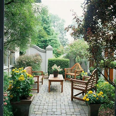 secluded backyard ideas landscaping ideas for privacy