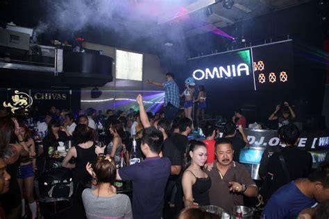 buro bar surabaya coyote bar ten club and karaoke surabaya