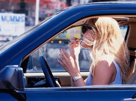 donne al volante sexi le donne al volante pi 249 attente alla sicurezza famiglia