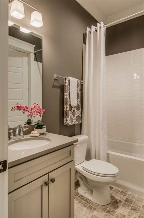 Paint Color Ideas For Small Bathrooms by Best 25 Bathroom Colors Ideas On Guest