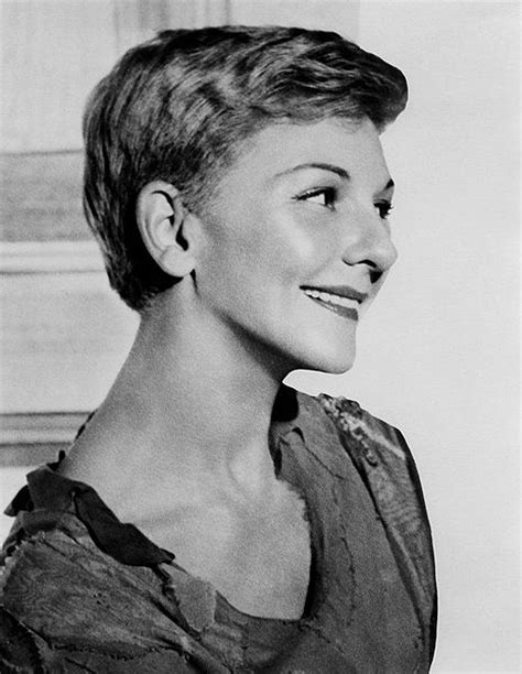 who is the actor whi plays peter pan in the geico mary martin history on air