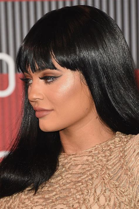 kylie jenner debuted bangs   vmas     celebrity style kylie jenner