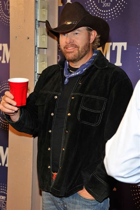 toby keith uk toby keith summer tornado benefit saw him have to turn