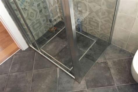 piatto doccia a filo pavimento prezzi piatto doccia filo pavimento vantaggi e prezzi