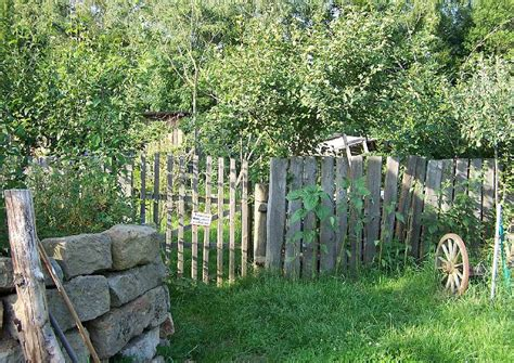 haustür nach maß idee bauerngarten zaun