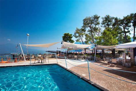 hotel sorrento con in hotel sul mare a sorrento hotel con piscina vico equense