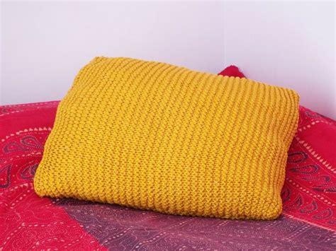 cuscino a maglia 17 migliori idee su cuscino a maglia su