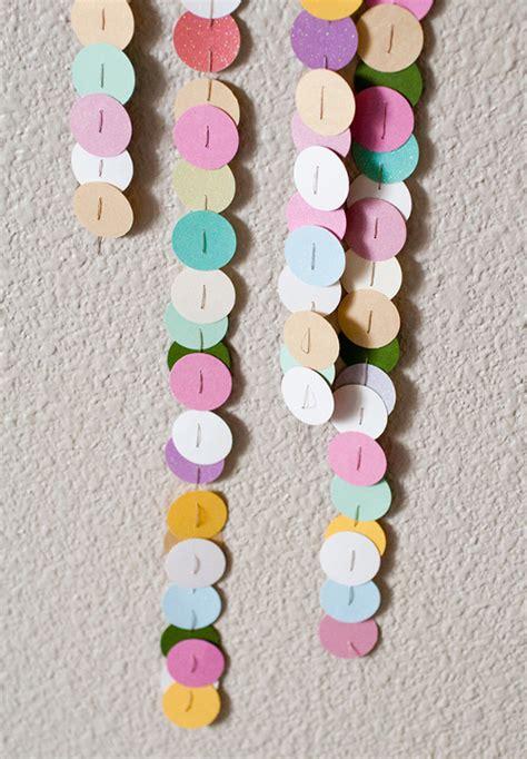 como hacer una guirnalda con circulos de papel moldes y patrones decora y adorna con c 237 rculos