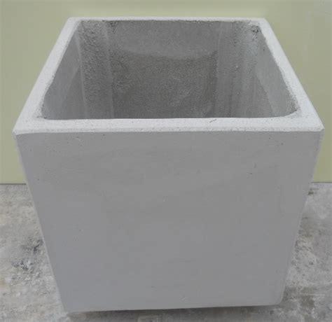 vasi in cemento bianco fioriere vasi in cemento bianco