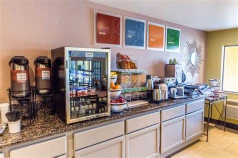 comfort suites breakfast breakfast picture of comfort inn and suites rancho