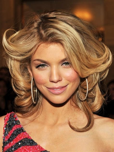 hairstyles with blonde and caramel highlights honey and caramel blonde hairstyles