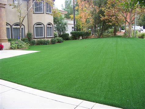 conserve water with synthetic grass