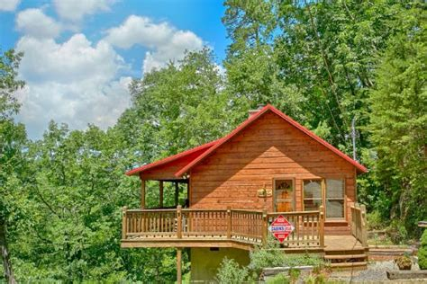 Pigeon Forge Cabins With Tub by Honeymoon Cabin Pigeon Forge With Tub Sugar Plum