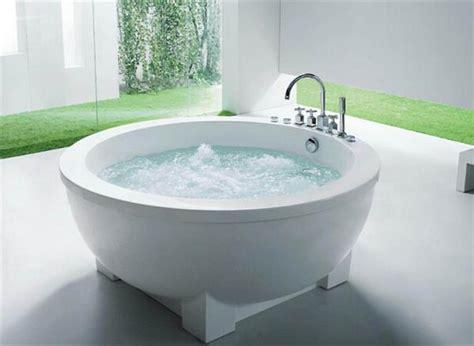 Round Bathtub 浴缸分類和浴缸高度尺寸規格 愛我窩