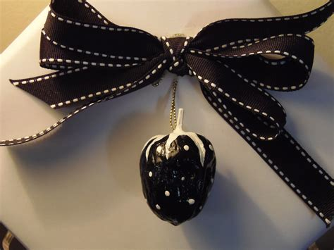 black and white christmas ornaments by bonnetsbagstreasures