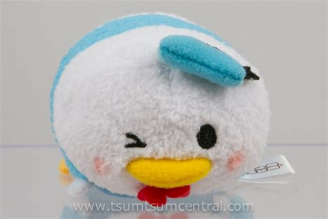 Tsum Tsum Donald Wink 8cm left wink donald expressions at tsum tsum central