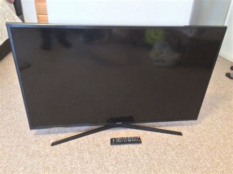 samsung 43 inch led 4k smart tv spares or repair any reasonable 0ffer in newbury