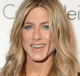 aniston eye color get the look with aniston hello dollface