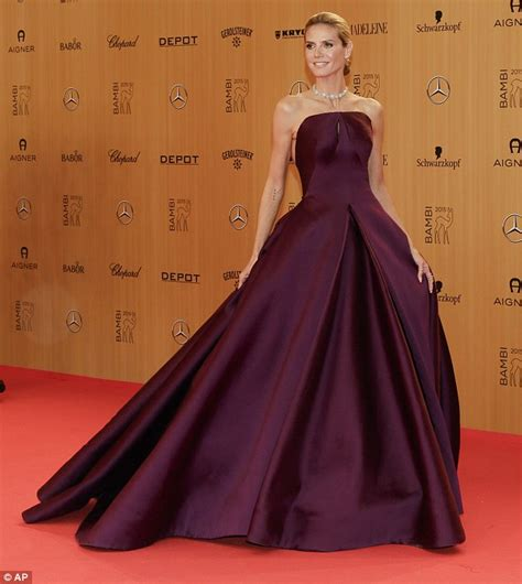 Catwalk To Carpet Hilary Swank In Lhuillier by Luxe Carpet 2015 Awards Luxe Lookbook